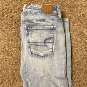 American Eagle Light Wash jeans- Hi Rise Jeggings